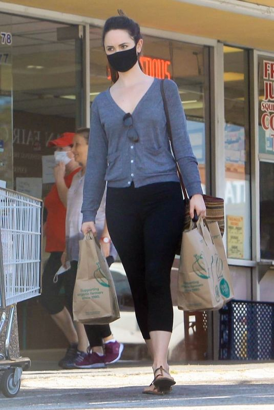 Odette Annable At Wholes Foods in LA