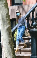 Sarah Jessica Parker Heading to The Hamptons in New York