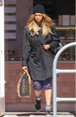 Tyra Banks Outside a grocery store in LA