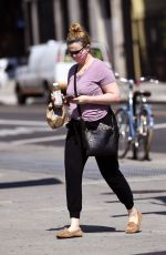 Amber Tamblyn Getting bagels in NYC