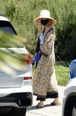 Ashlee Simpson Shows her baby bump as she heads out with husband Evan Ross to Don Cuco Mexican restaurant in Los Angeles