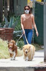 Aubrey Plaza Takes her dogs for a walk in Los Feliz