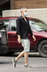 Cody Simpson & Miley Cyrus Seen picking up coffee in Calabasas