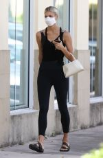 Devon Windsor Arrives at Pilates class wearing athleisure ensemble in Miami