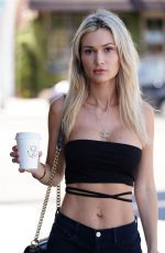 Ella Rose Stops for coffee in West Hollywood