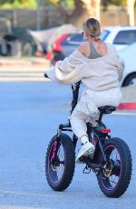 Hailey Bieber & Justin Bieber Spend the afternoon riding Electric Bikes in Los Angeles