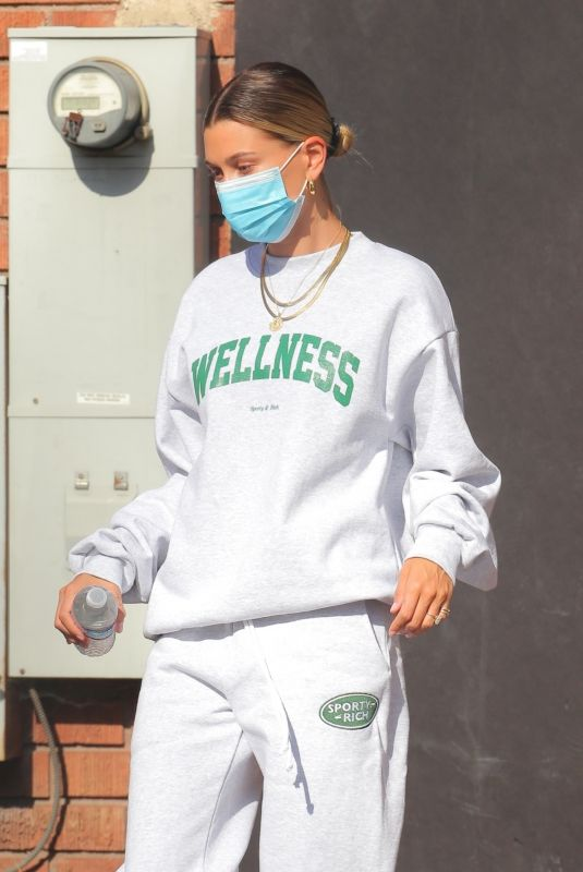 Hailey Bieber Leaving beachwood studios in comfy sweats after a photo shoot in West Hollywood
