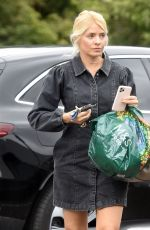 Holly Willoughby Out Shopping at Marks & Spencer in London