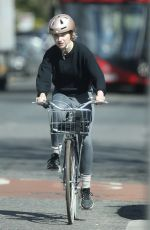 Imogen Poots Taking her daily exercise in London