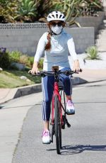 Isla Fisher Out Riding a Bike in Los Angeles
