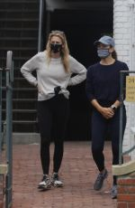 Jennifer Garner Takes an early morning walk with a friend in Brentwood