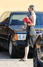 Kate Hudson Out in Malibu, California