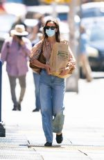 Katie Holmes Pictured grocery shopping in New York