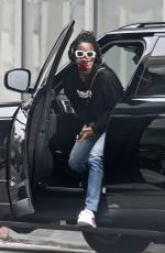 Kelly Rowland Making a trip to the doctor