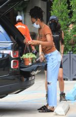 Kelly Rowland While shopping for house plants in LA