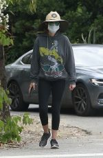 Lisa Rinna Is fully covered up on her morning Walk