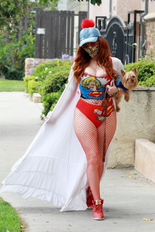 Phoebe Price Stretching it out in LA