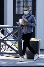 Sarah Michelle Gellar Outside Blue Bottle Coffee in Brentwood