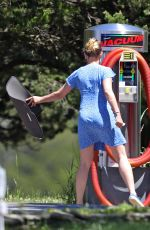 Scarlett Johansson Cleaning her SUV in The Hamptons