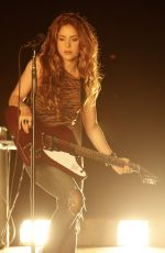 """Shakira Performs """"Sale el Sol"""" for the Global Citizen"""