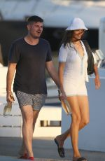 Shanina Shaik Gets ready for a great day on the sea with friends in Ibiza