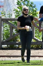 Ariel Winter Out with her boyfriend and friends in LA