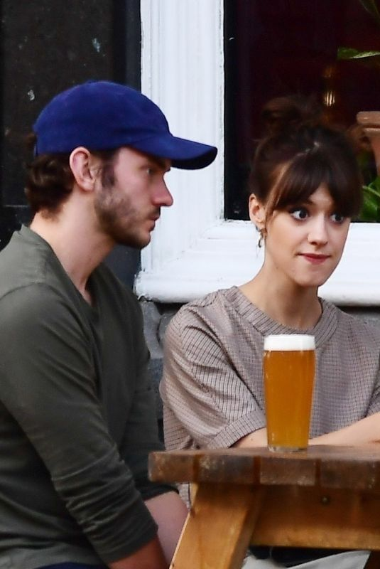 Daisy Edgar-Jones and her actor boyfriend Tom Varey making the most of the newly opened London pub scene