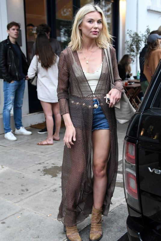 """Georgia Toffolo Out in Chelsea on """"Super Saturday"""", the first day of lockdown ease in London"""
