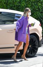 Hailey Bieber Arrives at the Hollywood Roosevelt in Los Angeles