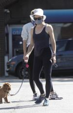 Jennifer Garner Out for a walk in Pacific Palisades