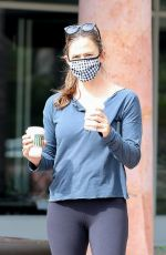 Jennifer Garner Out for her morning coffee in Malibu