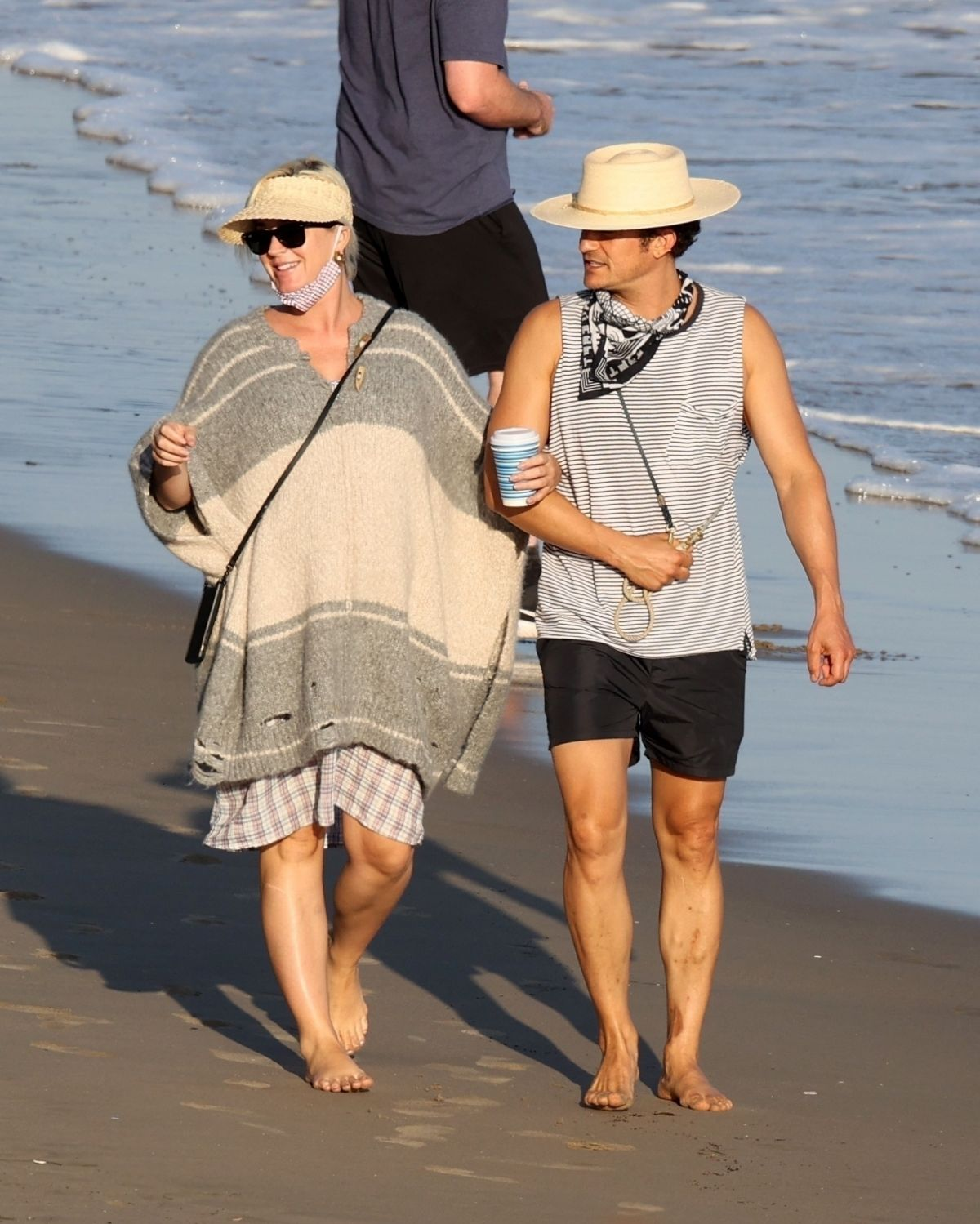 Katy Perry & Orlando Bloom Soak up the sun on a beach in