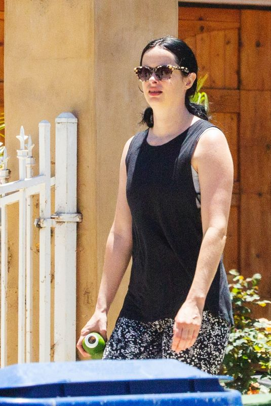 Krysten Ritter Takes a short stroll with her husband in Los Angeles