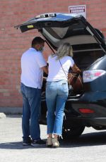 Malin Akerman Gets some help with a return while shopping in North Hollywood