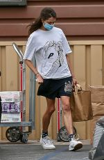 Margaret Qualley Goes on a grocery run in Los Angeles