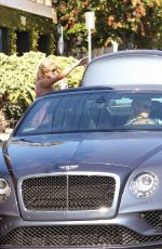 Nicky Hilton & Paris Hilton Spends the day out on Melrose Avenue in Los Angeles