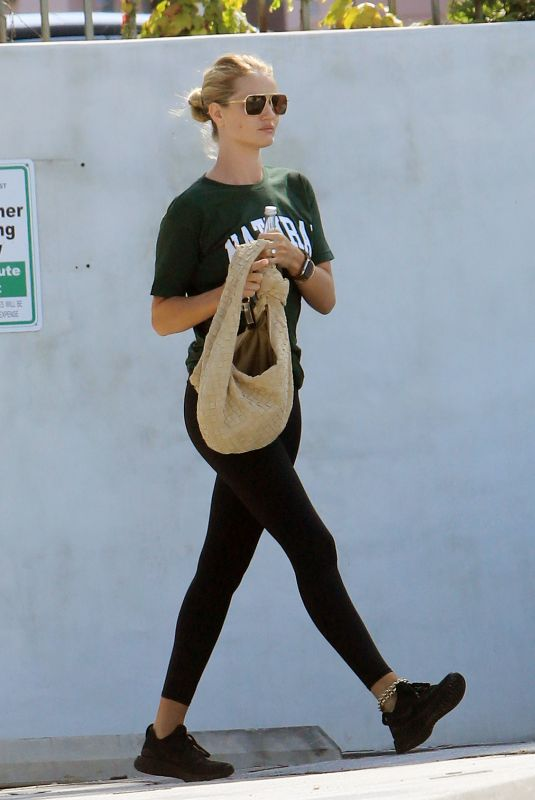 Rosie Huntington-Whiteley At the gym in Los Angeles