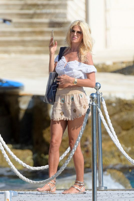Victoria Silvstedt At the Hotel Du Cap in Antibes