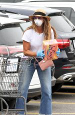 Brooke Shields Out grocery shopping in New York