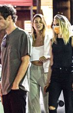 Cara Delevingne Out to dinner with friends in Los Angeles