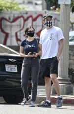 Charli XCX Gets food to go with her boyfriend at Joan