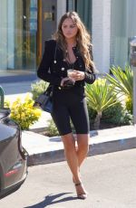 Chrissy Teigen Goes shopping on Melrose Place in West Hollywood