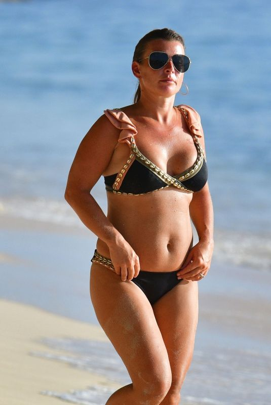 Coleen Rooney Shows off her impressive tan enjoying her holiday in sunny Barbados