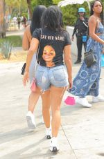Draya Michele Makes a statement with her t-shirt while spotted out with her friends