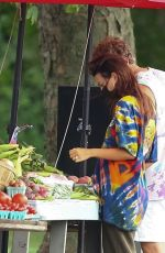 Emily Ratajkowski Buys fruit and vegetables in The Hamptons