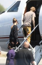 Hailey Bieber & Justin Bieber Boarding a private jet in Los Angeles