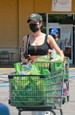 Halsey Stops by the grocery store after visiting a friend in LA