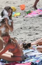Hannah Ann Sluss Display her body on the warm weather and hits the beach with some friends in Malibu
