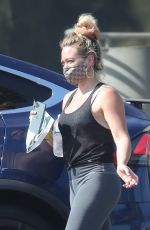 Hilary Duff Leaving Starbucks in LA