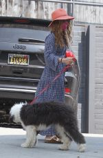 Isla Fisher Spotted taking her dog to the pet shop in West Hollywood